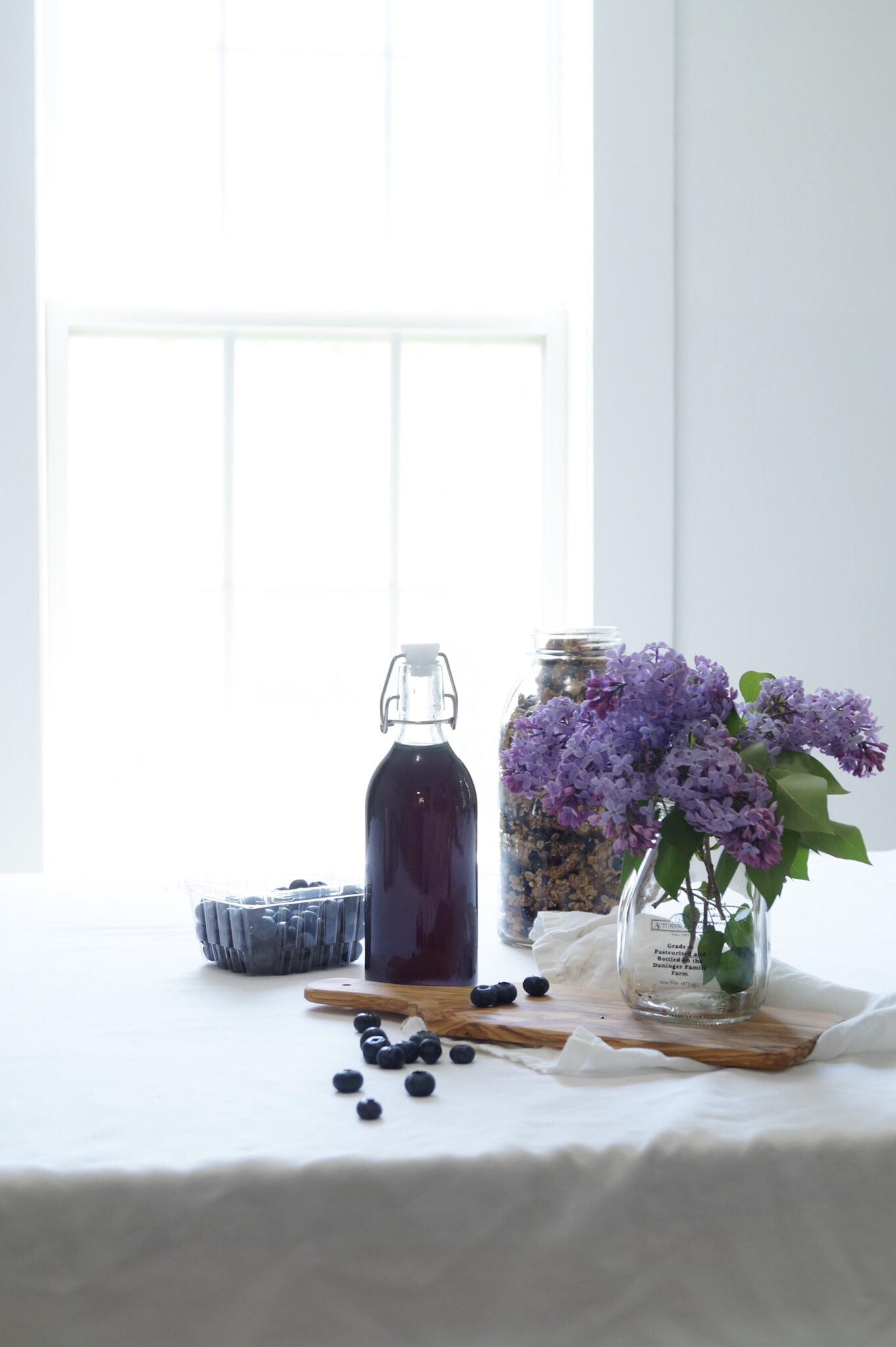 Wild lilacs, lilac Syrup
